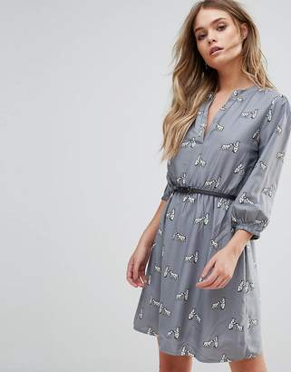 Yumi Belted Dress with 3/4 Sleeves in Meadow Border Print Free Shipping Outlet Store 100% Authentic 8wnD87