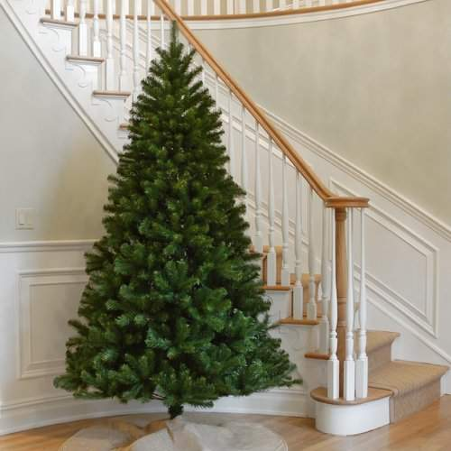 Green Spruce Artificial Christmas Tree Tree Height: 6′