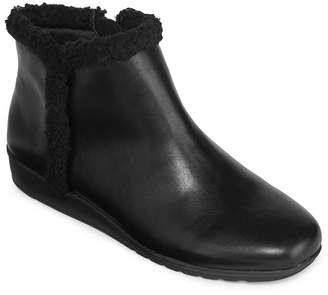 ST. JOHN'S BAY Womens Stasi Booties