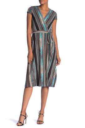 Sandra Darren Striped Short Sleeve Dress