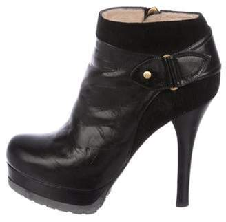 Fendi Leather Round-Toe Booties Black Leather Round-Toe Booties