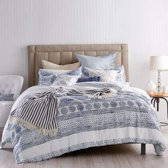 Matelassé Medallion Duvet Cover, Twin