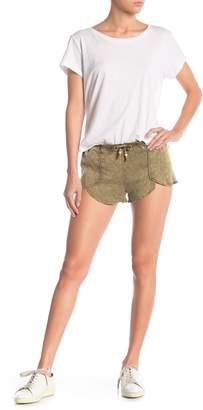 Chaser Scallop Drawstring Shorts