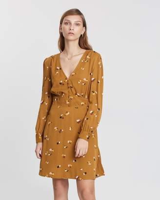 Warehouse Bea Ditsy Floral Tea Dress
