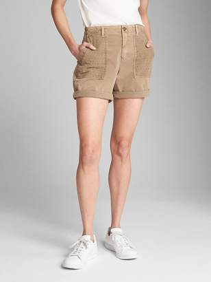 "Gap 5"" Girlfriend Chino Shorts with Eyelet Pockets"