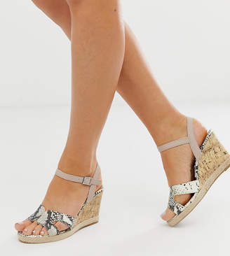 0ab743b3e1e7 New Look Wide Fit wedge sandals in snake print