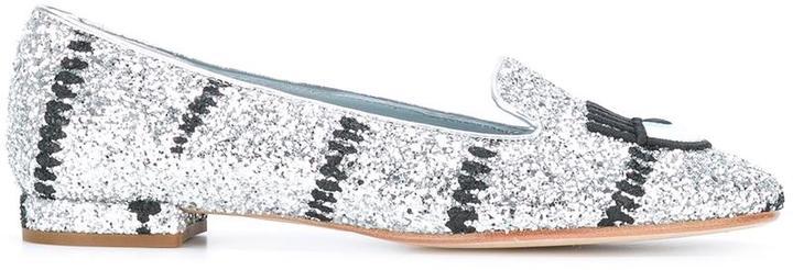 Chiara FerragniChiara Ferragni #findmeinwonderland slippers