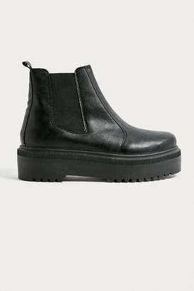 Urban Outfitters Brody Black Faux Leather Platform Chelsea Boots