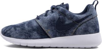 Nike Roshe One SE Shoes - Size 3.5Y