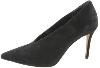 Vince Pointy Toe Pump $375 thestylecure.com