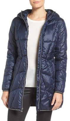 Women's Guess Packable Quilted Coat $150 thestylecure.com