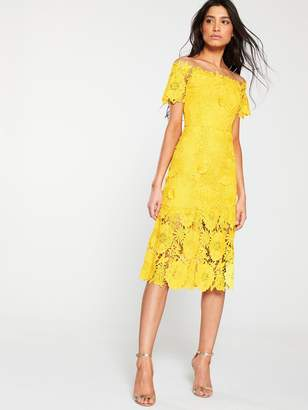 Very Guipure Lace Pencil Dress- Yellow