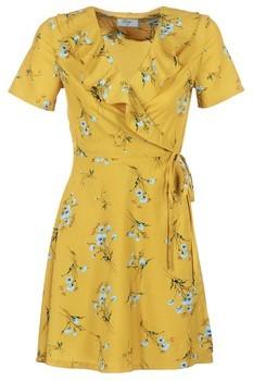 Betty London INNATOUNA women's Dress in Yellow