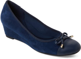 Easy Spirit Navy Prim Wedge Suede Pumps
