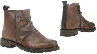 Andrea Morelli Ankle boots - Item 11301799
