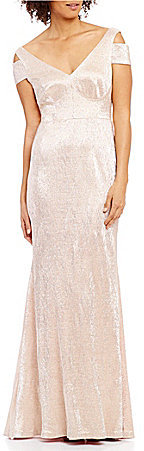 Calvin Klein Calvin Klein Cold-Shoulder V-Neck Cap Sleeve Metallic Gown