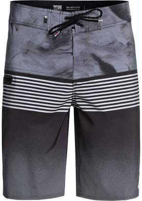 Quiksilver Highline Lava Division 20in Board Short - Men's