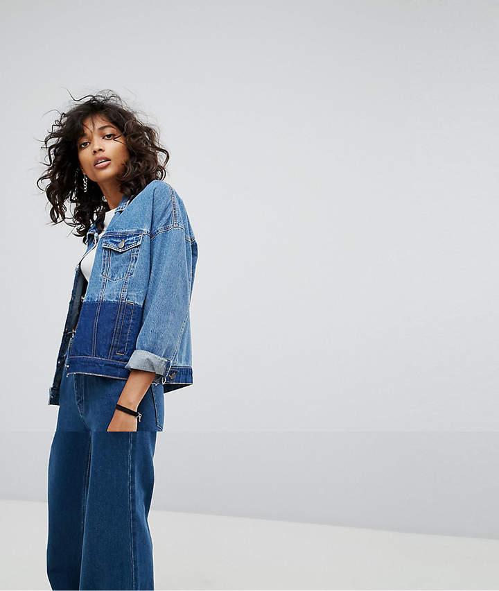 – Jeansjacke mit Farbtönen