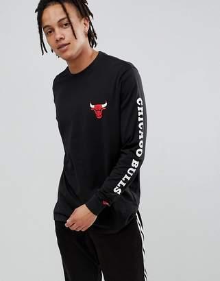New Era NBA Chicago Bulls Long Sleeve T-Shirt With Sleeve Print In Black