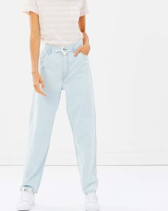 Levi's Cinched Tapered Jeans