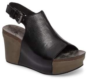 OTBT Jaunt Platform Wedge Sandal