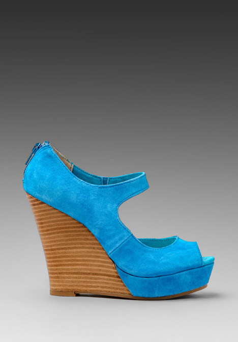 Seychelles Down to the Wire Wedge