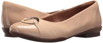Clarks Neenah Vine Women's Flat Shoes