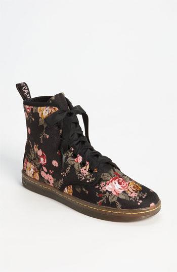 Dr. Martens 'Shoreditch' Boot Womens Victorian Flowers Size 9 M 9 M