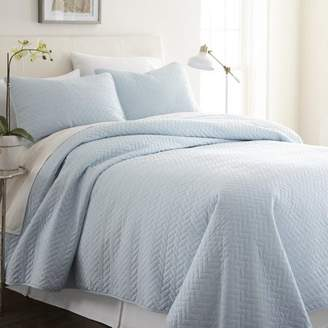 Noble Linens 3 Piece Ultra Soft Herring Pattern King Quilted Coverlet Set