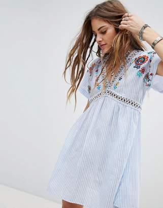 En Creme En Crme Dress With Embroidered Kimono Sleeves
