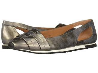 Kenneth Cole Gentle Souls by Luca Straps Flat
