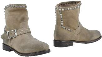 Mr Wolf Ankle boots - Item 44897092