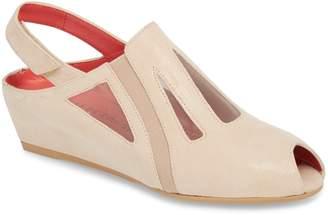 Pas De Rouge Franca Slingback Sandal
