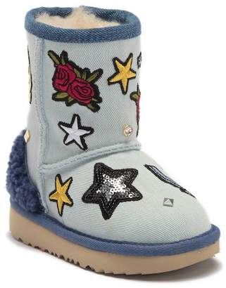 UGG Patch It Classic Genuine Shearling Short Boot (Toddler & Little Kid)
