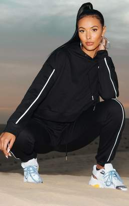 PrettyLittleThing Black Piped Cropped Hoodie