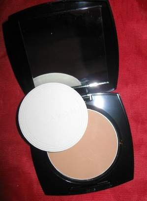 Avon Ideal Flawless Pressed Powder, Medium