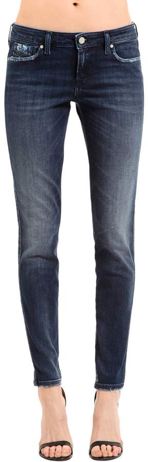 Enge Jeans Aus Baumwolldenim
