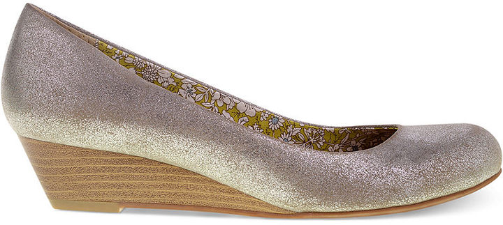 Chinese Laundry Marcie Demi Wedges