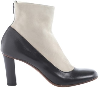 Michel Perry White Leather Ankle boots