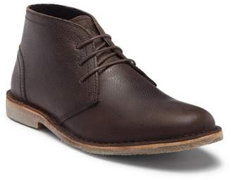 Andrew Marc Walden Leather Chukka Boot