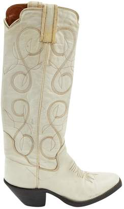 Non Signé / Unsigned Non Signe / Unsigned White Leather Boots