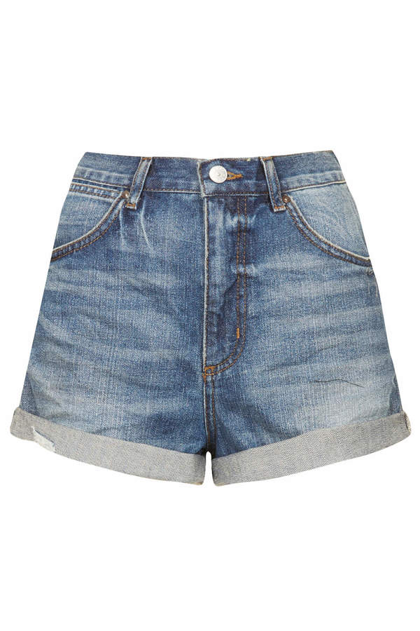 Topshop Moto rosa mid-length vintage wash hotpants with turn-up rip hem detailing and back pocket patch. 100% cotton. machine washable.