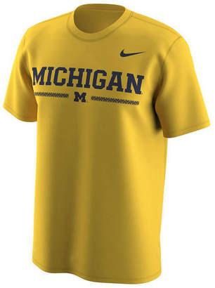 Nike Men's Michigan Wolverines Fresh Trainer Hook T-Shirt