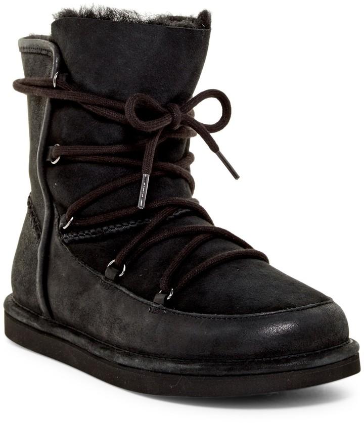 UGGUGG Australia Genuine Shearling Lined Lodge Boot