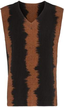 Issey Miyake Homme Plissé brown and black pleated vest top