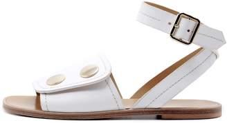 Lou.Earl Pierrette Flat Sandals In White