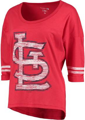 New Era Women's 5th & Ocean by Heathered Red St. Louis Cardinals MLB Slub 3/4 Sleeve Scoop With Hi Lo Hem T-Shirt