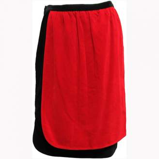 Non Signé / Unsigned Non Signe / Unsigned Red Velvet Skirts