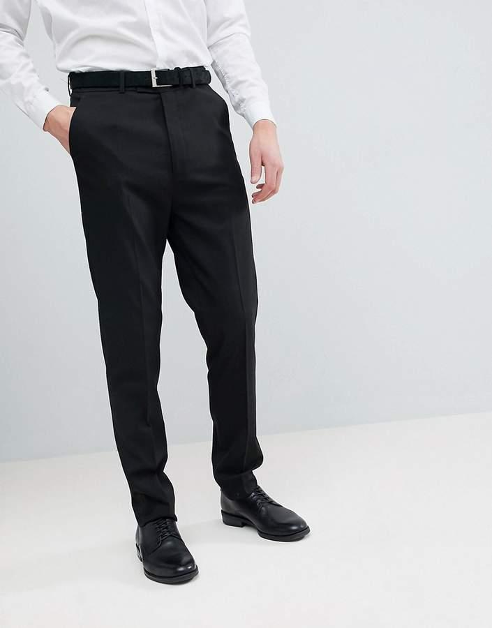 – Schmal zulaufende Hose in Schwarz