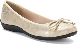 Hush Puppies Soft Style By Soft Style by Heartbreaker Women's Flats